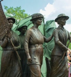 Suffrage_unveiling_Nashville_1